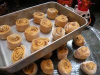 Pumpkin rolls 013