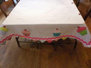 Ccupcake tablecloth1