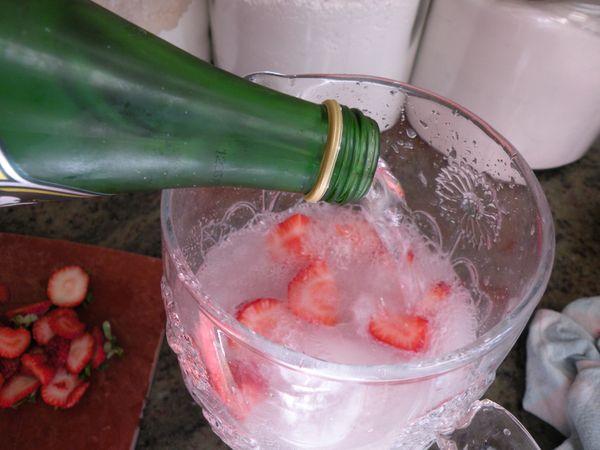 how to make strawberry mojito mocktail